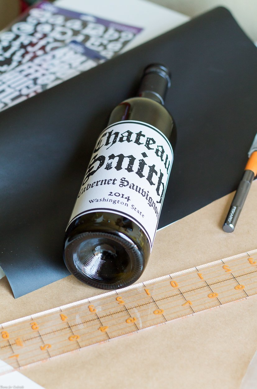 If you are searching for a creative way to recycle your weekend wine bottles look no further! This DIY Wine Bottle Wall Vase Tutorial is just what you need.