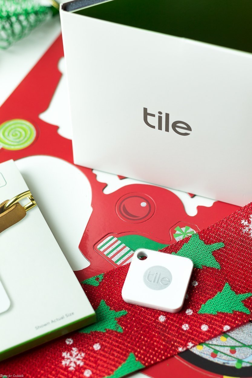 Moving around the holidays is stressful. Makes things easier with theseHouse Warming Holiday Gift Ideas plus keep track of your most precious possessions!