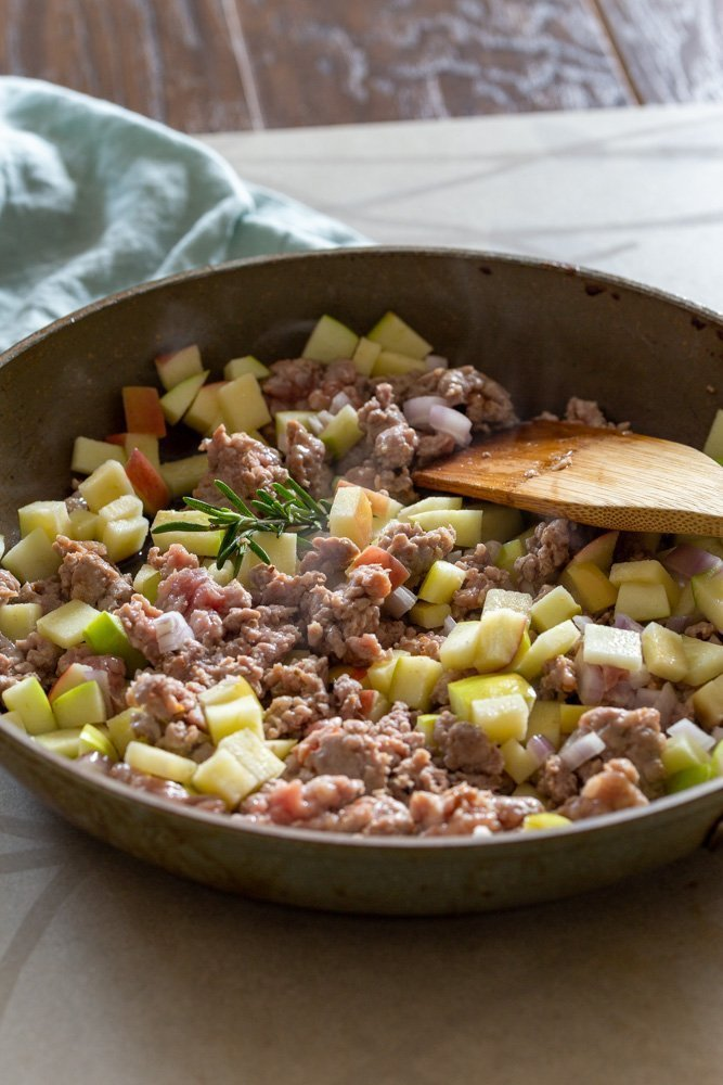 cooking instruction for apple rosemary pork topping